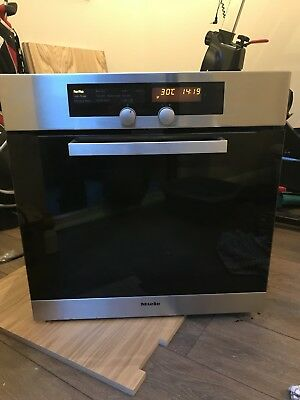 Miele Pyrolytic Oven H4430