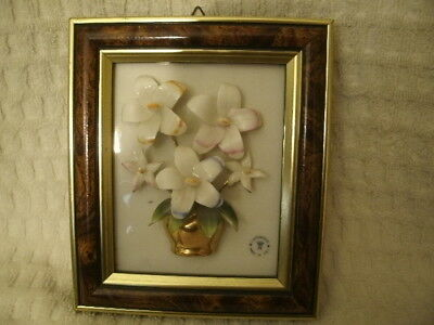 """Capodimonte Wall Hanging 6 3/4"""" x 5 3/4"""" with Makers Mark"""