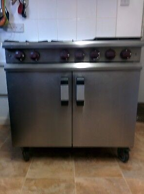 Masterchef Commercial 6 Burner Gas Cooker With Hotplate & Oven Trays