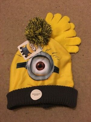 BNWT Minion Hat & Glove Set