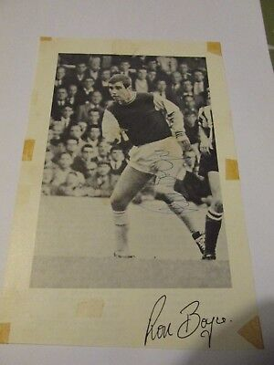 Ronnie Boyce West Ham United genuine hand signed black & white picture