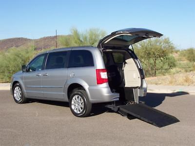 2014 Chrysler Town & Country Touring Wheelchair Handicap Mobility Van 2014 Chrysler Town & Country Touring Wheelchair Handicap Mobility Van Loaded