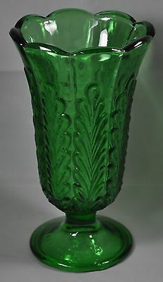 "Vintage E. O. BRODY OHIO,USA SCALLOPED 9 "" TALL PRESSED GLASS GREEN VASE"