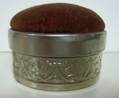 ANTIQUE 1920s SILK THREAD IN SILVER METAL CASE WITH PINCUSHION - EXCELLENT!