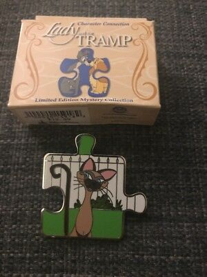 Lady and The Tramp Character Connection Siamese Cat Am Puzzle Disney Pin