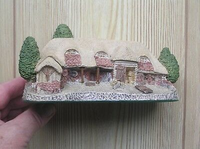 "An Attractive David Winter ""tythe Barn"" Cottage Model: 6.5"" Long: Vg Condition"