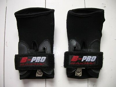 B-Pro Skiing/Snowboarding Wrist Guards size Medium