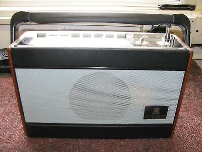 Roberts portable 3 Band With Presets Transistor Radio, Model RP28.