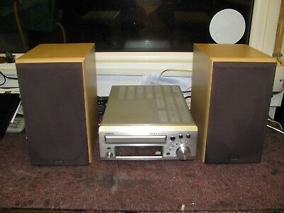 Denon Silver CD Receiver With Speakers, Model UD-M31.