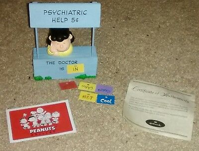 """Hallmark 2001 Peanuts Gallery Lucy Figurine """"Mood Booth"""" - New in Box"""