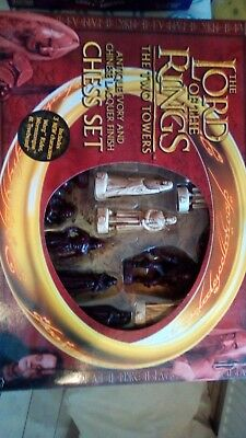 The Lord Of The Rings The Two Towers Chess Set 100% Complete