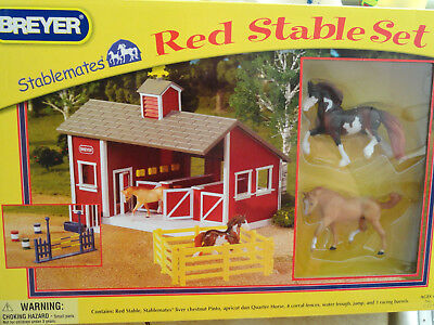 Breyer Stablemate NEW  Red Stable Set #59197~ Great Christmas/Birthday Gift 4 Up