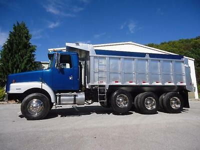 Volvo Tri-Axle Factory Dump Truck  18Ft Steel Bed