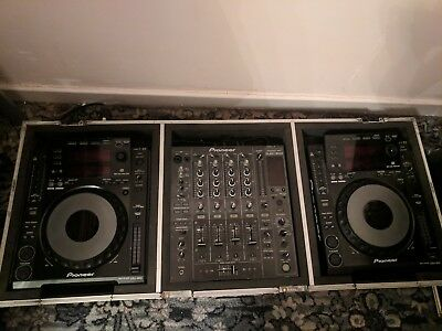 pioneer cdj 900 X2 and djm 850 mixer and custom made case with power lead