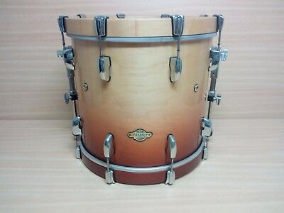 "Bombo 18"" Pearl Masters Maple"