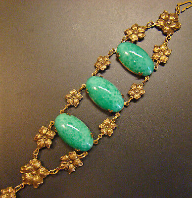 Wonderful Sadie Green signed Peking glass cab bracelet in brass repousse Vintage