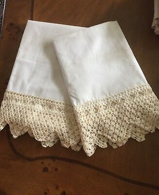 Lovely Vintage Hand Crochet Edged Pillowcases unused 42x38 made in USA 60s