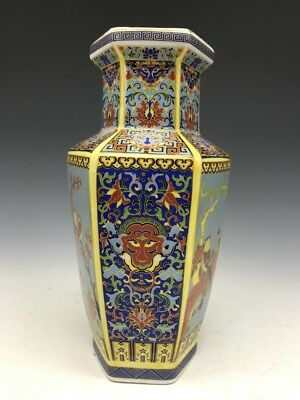 China's colorful hand-painted ceramic hexagonal vase Daqing Mark