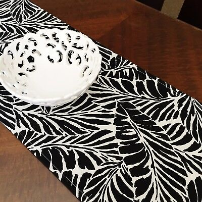 Hopscotch Table Runner Indoor/outdoor - Black Leaves On White
