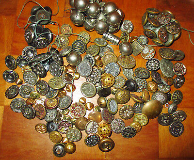 LOT 19th C. ANTIQUE VICTORIAN & ART NOUVEAU ERA METAL BUTTONS  - FLOWERS SETS ++
