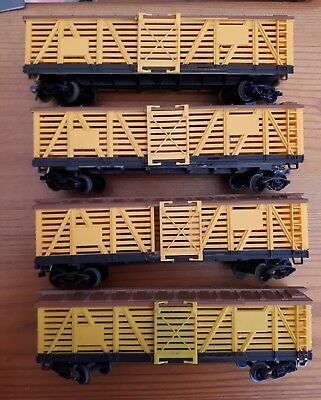 4 x Life-like cattle wagons. HO scale. Used. No markings.
