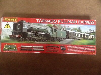 Hornby R1169 Tornado Pullman Express. Incomplete and damaged Train Set. OO Gauge
