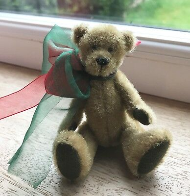 Gorgeous Miniature Bear 7cm sitting mohair jointed