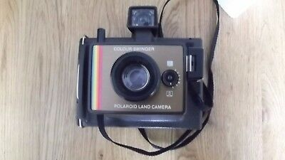 Vintage Polaroid Colour Swinger Instant Camera in Good Condition.