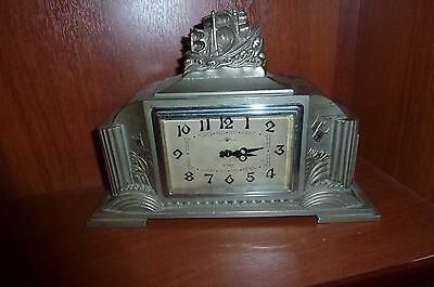 Japanese table clock with 8 day factory