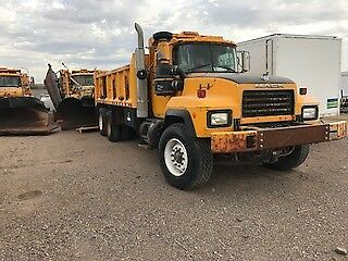 2000 mack snowplow