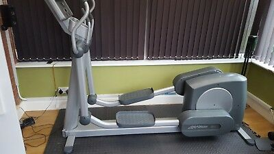 life fitness  XI 95 cross trainer