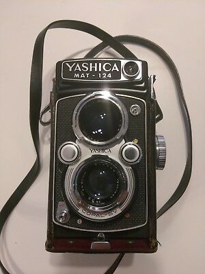 Yashica Mat 124  super 8 camera with leather case