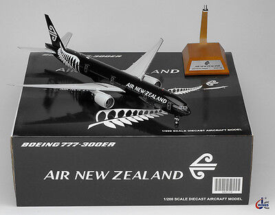 Air New Zealand Boeing 777-300ER ZK-OKQ ALL BLACK JC Wings 1:200 Diecast XX2238