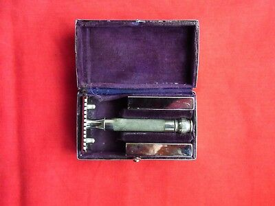 A VINTAGE G.I & Co GEORGE IBBERSON, OPEN COMB SAFETY RAZOR. BOXED. ENGLAND
