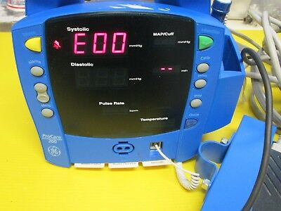 GE DINAMAP ProCare Monitor DPC220X - EN - with Power Adapter