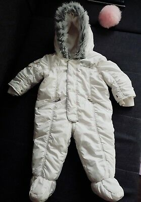baby girl snowsuit 6-9 months used few times