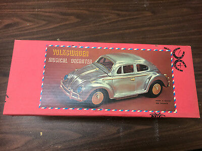 Rare SILVER Vintage MUSICAL VOLKSWAGEN BEETLE BAR SET w/ 4 glasses and Decante
