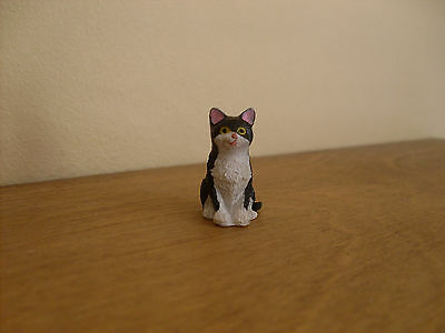 Dollshouse Miniature   ~ BLACK & WHITE #2  ~ Cat