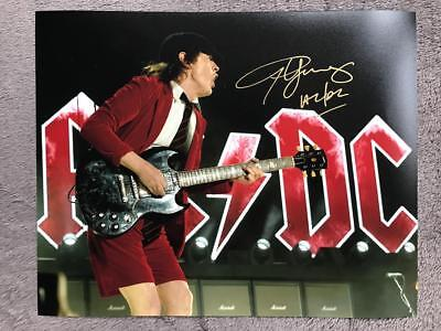 Angus Young Signed (8X10) Authentic Autograph COA (Music, AC/DC)