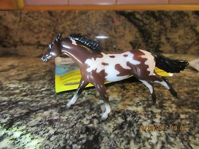 Breyer Stablemate Tomahawk 2017  Brown & Whie Paint Mystery Horse