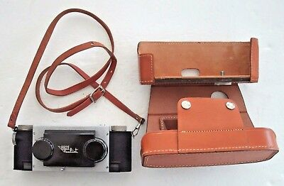 Vintage Realist Stereo Camera in Leather Case