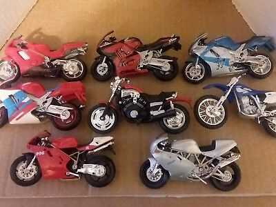 Maisto 1/18 Motorcycles- Lot of 8