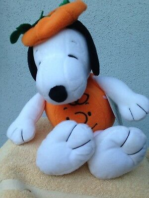 Hallmark Snoopy Peanuts Halloween Pumpkin Plush Stuffed Animal Decor Nwt 15""