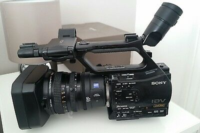 Sony HVR-Z7E 1080 HD Camcorder - PAL with battery