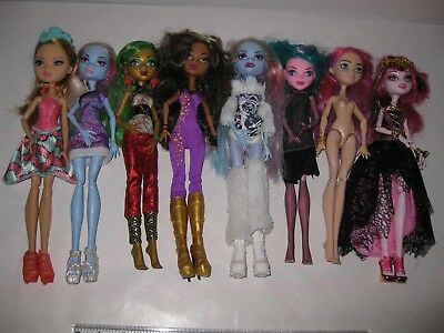 Monster High dolls bundle plus one Ever After High.. Mattel