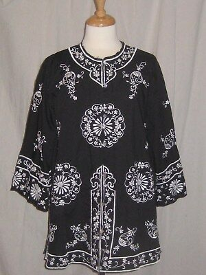 Vintage  Embroidered Shirt Jacket Blouse Asian Style Black & White Side Vents Lg