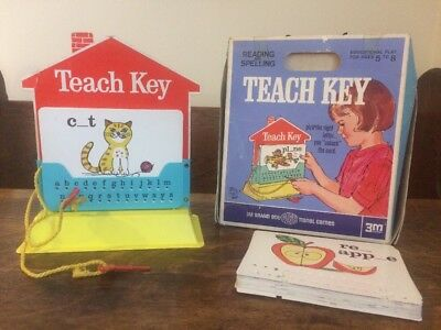 Vintage 1967 Educational Reading & Spelling Teach Key Game Toy By 3M!!