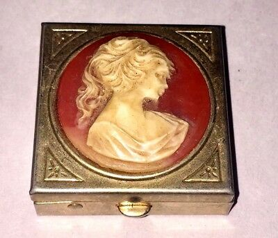 """Vintage Cameo Goldtone Old Pill Box PillBox 1 1/2"""" X 1 1/2"""" Clasp Works Good"""