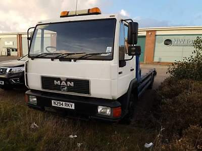 Man recovery truck