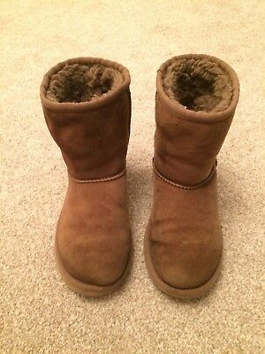 Girls Genuine Brown Ugg Boots Size 2 RRP £90